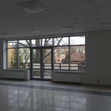 fasada drzwi aluminiowe siedlce kolor srebrny ral 9006 widok od wewnątrz